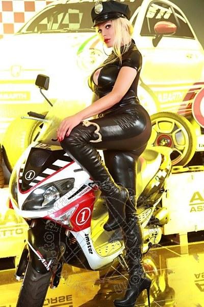 Vittoria Fashion  CUNEO 3533726200